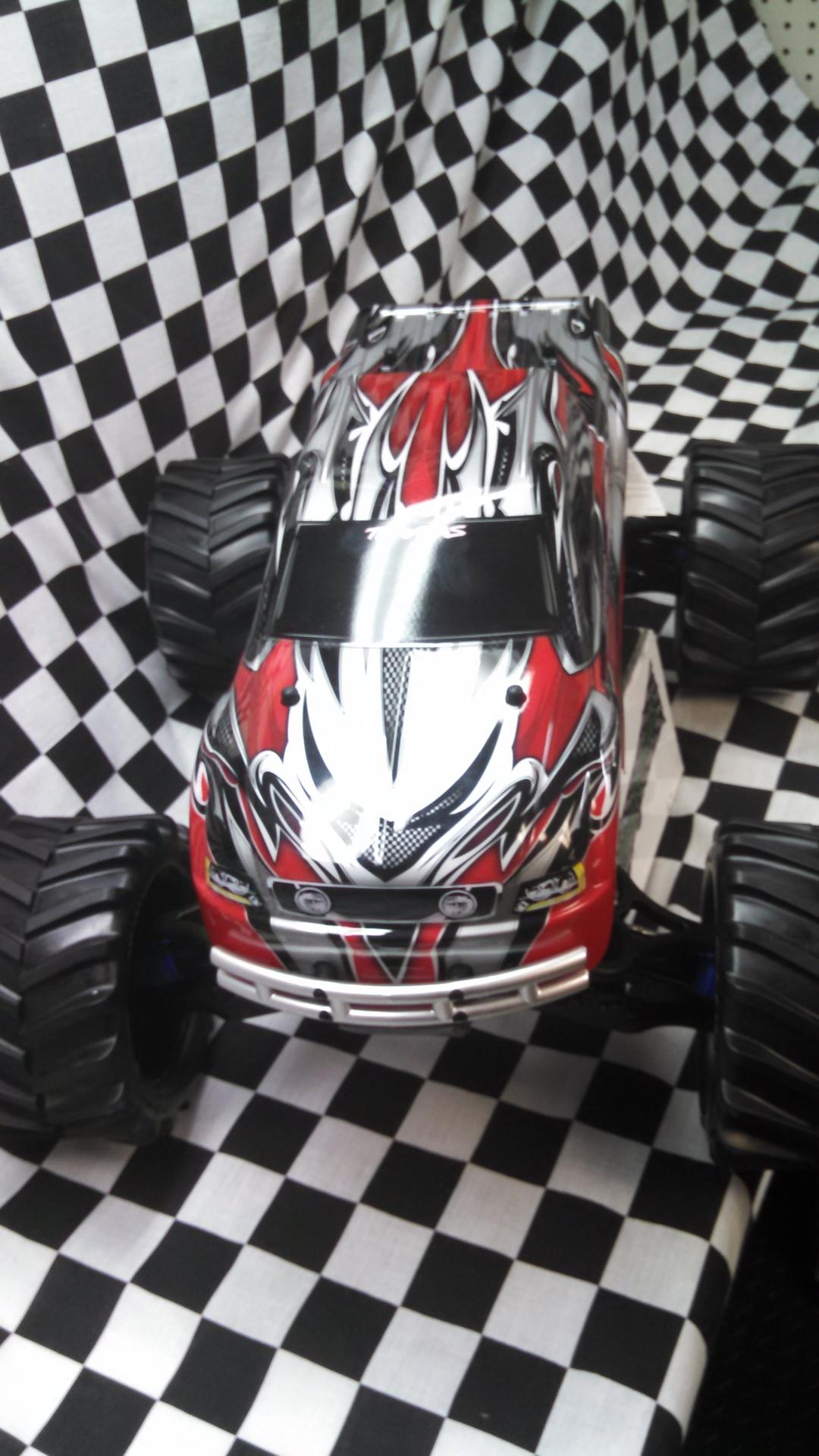 Traxxas 4WD Brushed E-Maxx